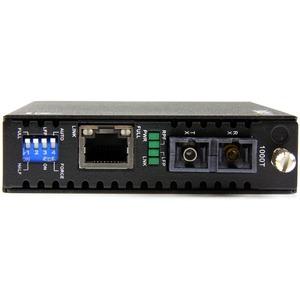 StarTech.com Convertitore media Ethernet Gigabit in fibra monomodale SC 40 km -1000 Mbps - 2 Porta(e) - 1 x Rete (RJ-45) -