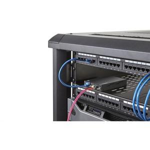 StarTech.com Gigabit Ethernet Copper-to-Fiber Media Converter - SM LC - 10 km - Ethernet Media Converter - GbE Converter -