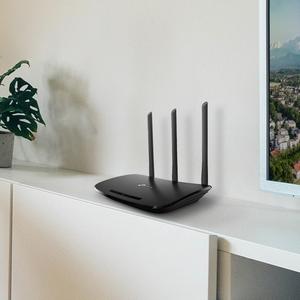 Router inalambrico N, TP-link, TL-WR940N, 450Mbps en 2.4GHz, 3 antenas desmontables omnidireccionales de 5dBi, color negro.